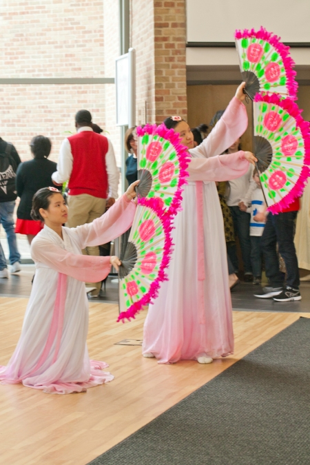 Students Sung Won Ho(L) and Sung Min Ho(R) preform a Korean Fan dance.