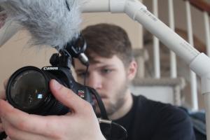 Focusing camera