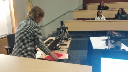 Susan Higgins prepares her lecture. By Victor Minnone, CCC Journalism Program
